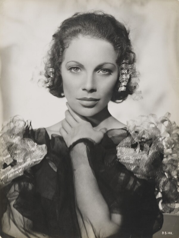 Tilly Losch, by Fred Daniels, 1936 - NPG P388 - © Estate of Fred Daniels / National Portrait Gallery, London