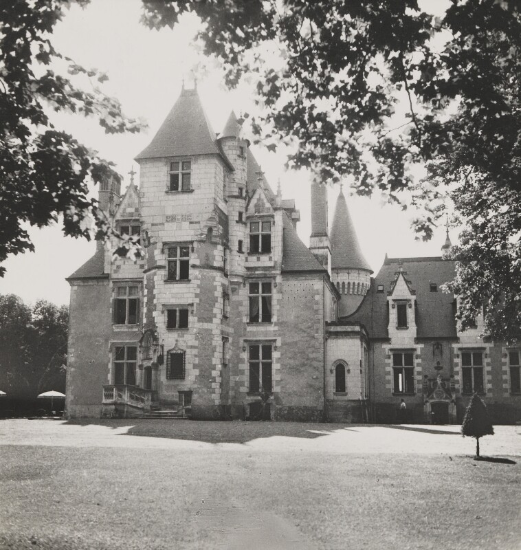 Chateau Cande, France, by Cecil Beaton, 1936 - NPG P262 - © Cecil Beaton Studio Archive, Sotheby's London