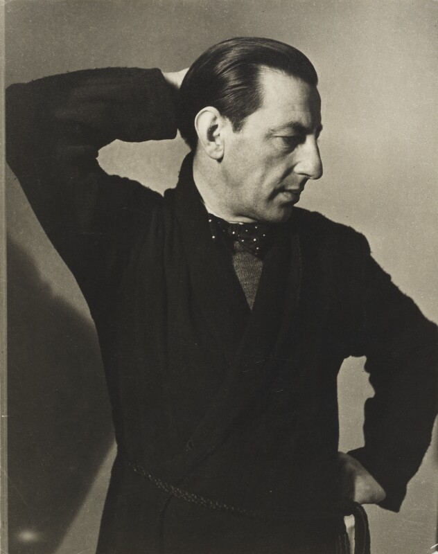 Paul Nash, by Helen Muspratt, 1932 - NPG P569 - © National Portrait Gallery, London