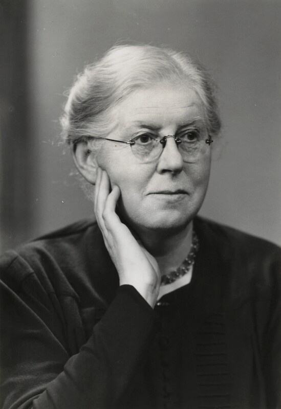 Dorothy Tarrant, by Elliott & Fry, 3 March 1949 - NPG x91413 - © National Portrait Gallery, London