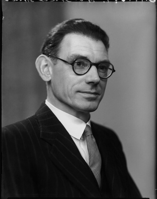 Alun Bennett Oldfield-Davies, by Elliott & Fry, 1951 - NPG x100403 - © National Portrait Gallery, London