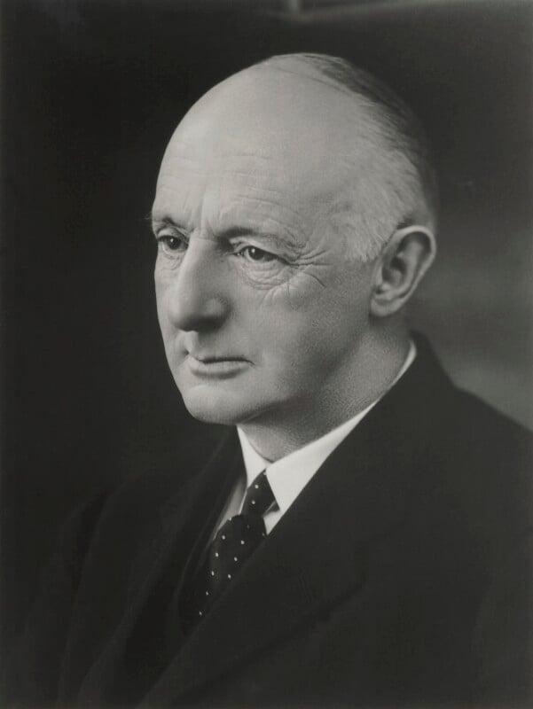 Hugh Cholmondeley, 3rd Baron Delamere, by Bassano Ltd, 26 September 1930 - NPG x127531 - © National Portrait Gallery, London
