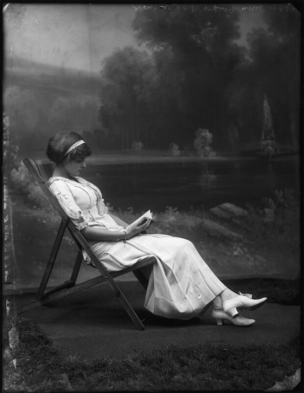 Dame Gladys Cooper, by Bassano Ltd, 1910 - NPG x127670 - © National Portrait Gallery, London