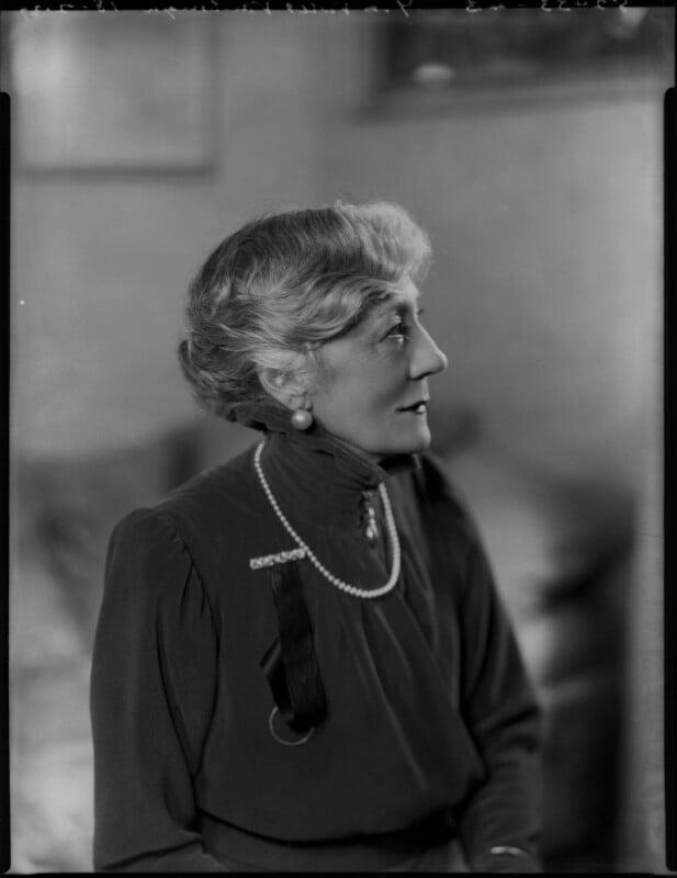 Violet Vanbrugh (Violet Augusta Mary Barnes), by Bassano Ltd, 18 February 1937 - NPG x124426 - © National Portrait Gallery, London