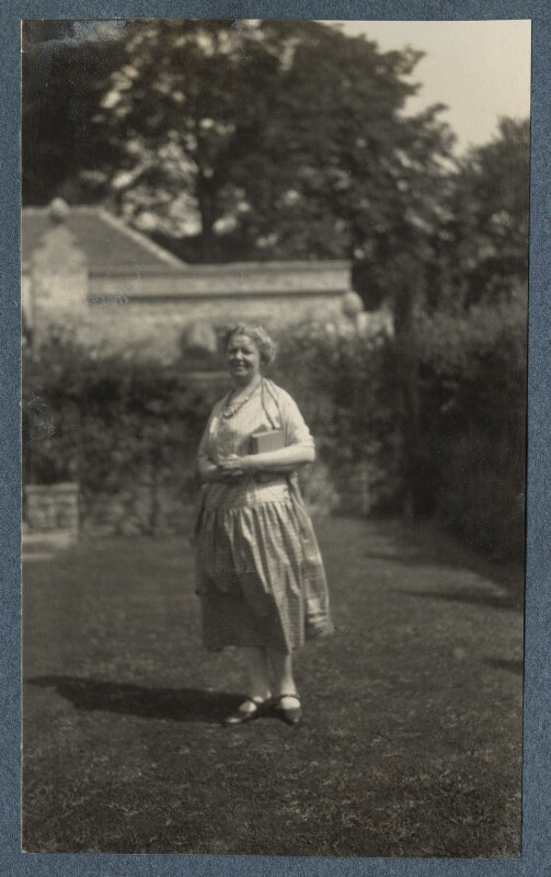 Junia von Anrep (née Yuniya Khitrovo), by Lady Ottoline Morrell, July 1926 - NPG Ax142606 - © National Portrait Gallery, London