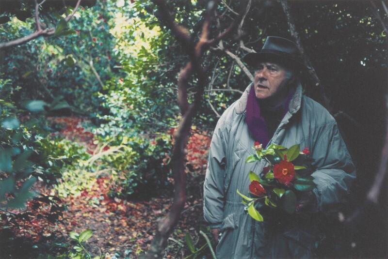 Patrick Heron in The Camellia Garden at Eagles Nest, by Susanna Heron, 1998 - NPG P710 - © Susanna Heron/ DACS 2018