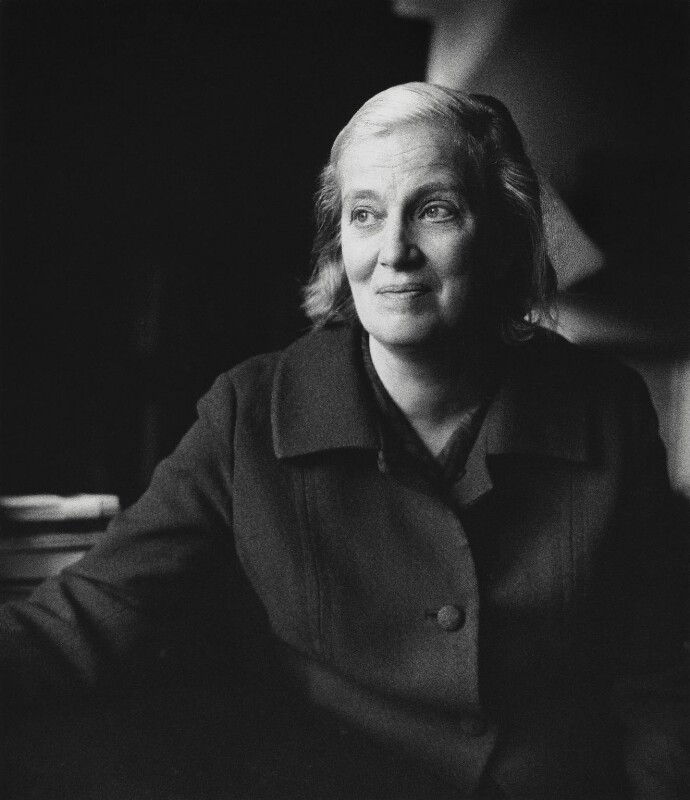 Dorothy Hodgkin, by Godfrey Argent, 14 November 1969 - NPG x21942 - © National Portrait Gallery, London