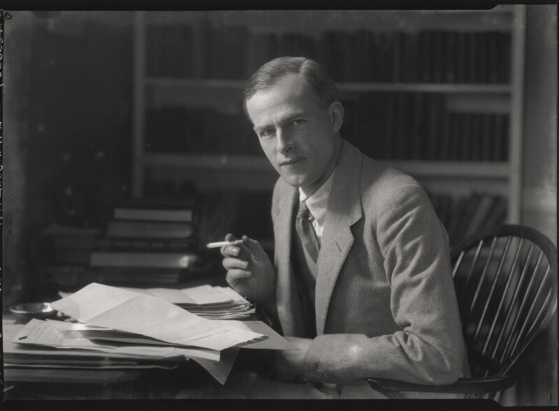 George Douglas Howard Cole, by Lafayette, 6 October 1928 - NPG x42851 - © National Portrait Gallery, London