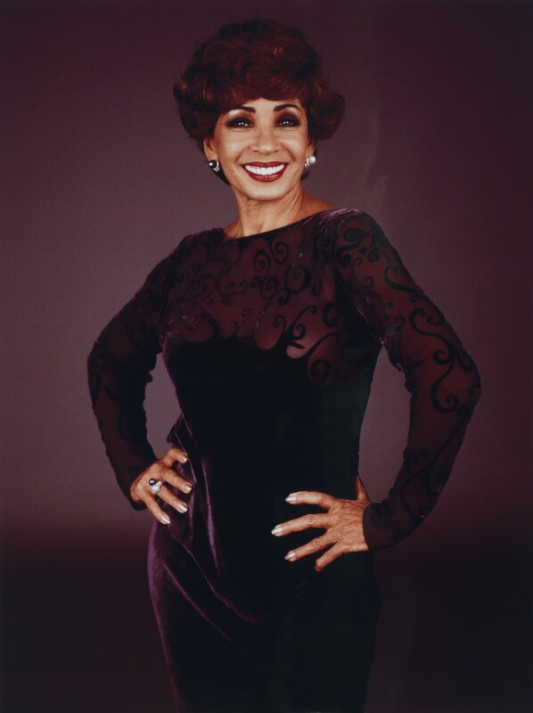 Shirley Bassey, by Mike Owen, 1997 - NPG x128532 - © Mike Owen / National Portrait Gallery, London