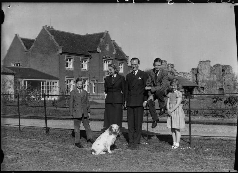 The Allhusen family, by Navana Vandyk, 21 April 1953 - NPG x130314 - © National Portrait Gallery, London