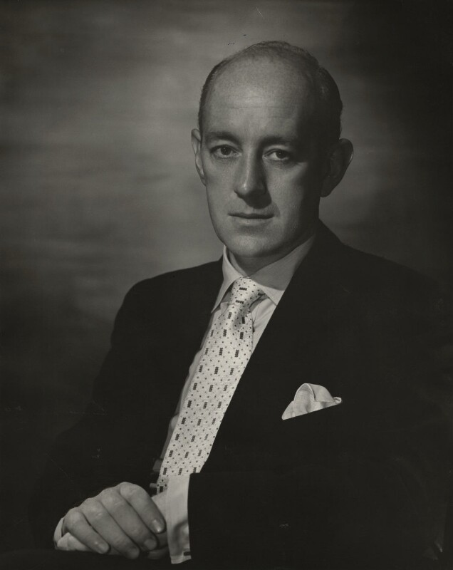 Sir Alec Guinness, by Lord Snowdon, 1955 - NPG x45959 - © Armstrong Jones