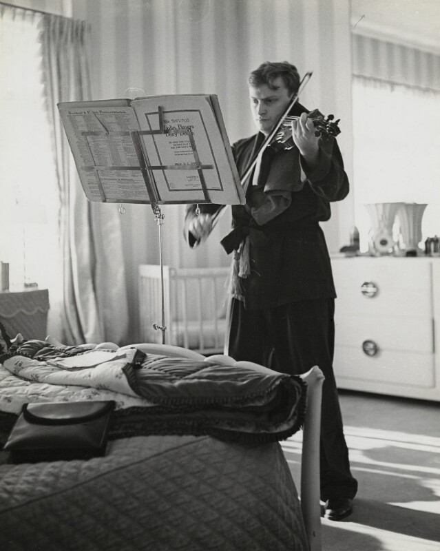 Yehudi Menuhin, by Lucien Aigner, 1940 - NPG x23460 - © estate of Lucien Aigner