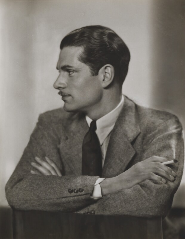 Laurence Kerr Olivier, Baron Olivier, by Dorothy Wilding, circa 1930 - NPG x46504 - © William Hustler and Georgina Hustler / National Portrait Gallery, London