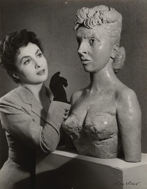 Gina Lollobrigida with her bust by Sir Jacob Epstein, by Ida Kar, 1952 - NPG x129567 - © National Portrait Gallery, London