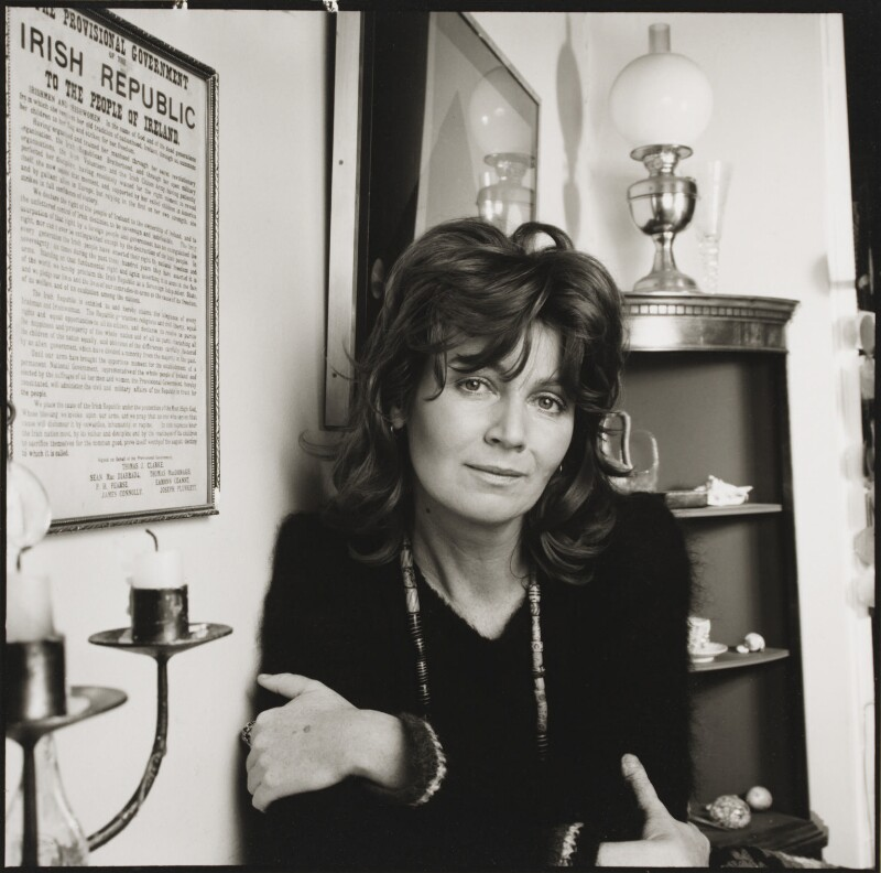 Edna O'Brien, by Mark Gerson, November 1973 - NPG x88222 - © Mark Gerson / National Portrait Gallery, London