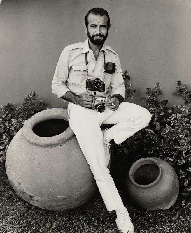 Alberto Korda (Alberto Díaz Gutiérrez), by Ida Kar, 1964 - NPG x131015 - © National Portrait Gallery, London