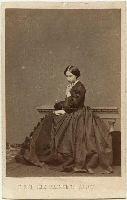 Princess Alice, Grand Duchess of Hesse, by John Jabez Edwin Mayall, 1860 - NPG x26114 - © National Portrait Gallery, London