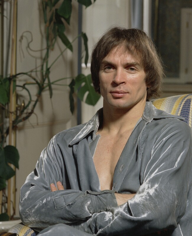 Rudolf Nureyev, by Bernard Lee ('Bern') Schwartz, 10 July 1977 - NPG P1225 - © National Portrait Gallery, London