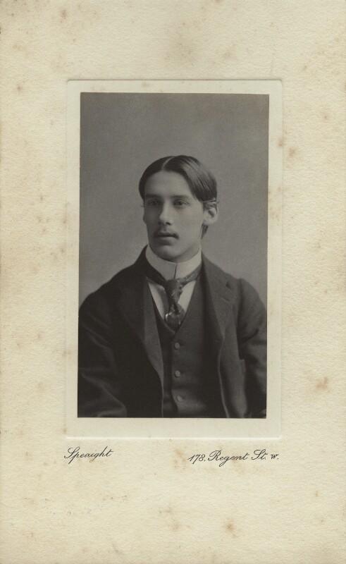 Oliver Strachey, by Frederick & Richard Speaight, 1890s - NPG x13862 - © National Portrait Gallery, London