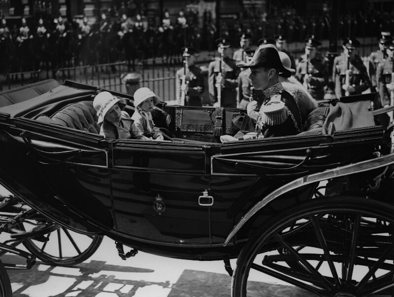 Queen Elizabeth II, Princess Margaret, King George VI and Queen Elizabeth, the Queen Mother, by Edward George W. Malindine, for  Daily Herald, 6 May 1935 - NPG x131121 - © Science & Society Picture Library / National Portrait Gallery, London