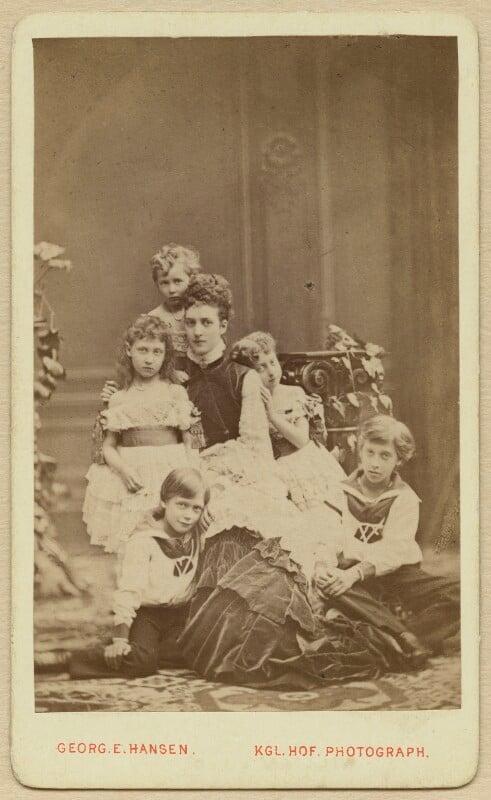 Alexandra of Denmark with her children, by Georg Emil Hansen, August 1874 - NPG x131190 - © National Portrait Gallery, London