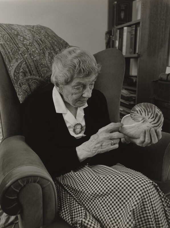 Anna McClean Bidder, by Julia Hedgecoe, 1997 - NPG P751(4) - © Julia Hedgecoe / National Portrait Gallery, London