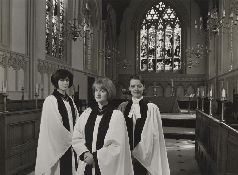 Joanne Caladine Bailey Wells; Georgina Ann Byrne; Emma Siân Hebblethwaite (née Disley), by Julia Hedgecoe, 19 May 1998 - NPG P751(20) - © Julia Hedgecoe / National Portrait Gallery, London