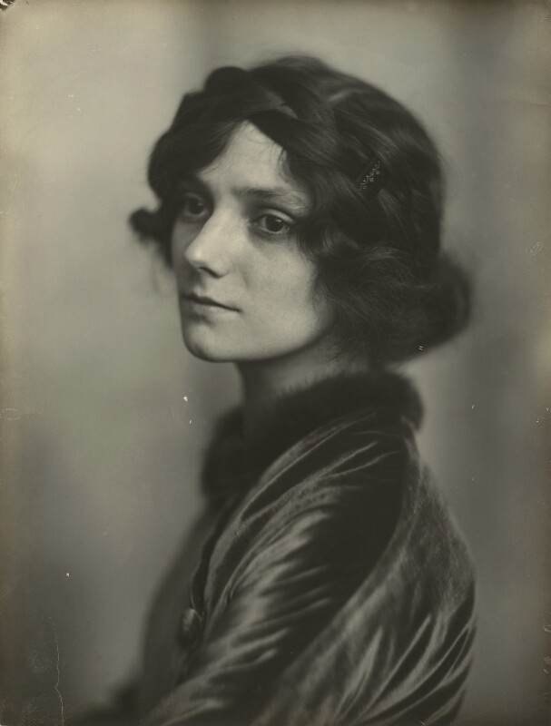 Unknown woman formerly called Irene Vanbrugh, by James Craig Annan, 1910s - NPG x131335 - © National Portrait Gallery, London