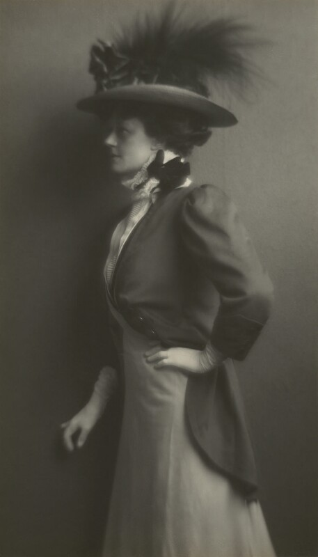 Irene Vanbrugh, by James Craig Annan, 1910s - NPG x131336 - © National Portrait Gallery, London