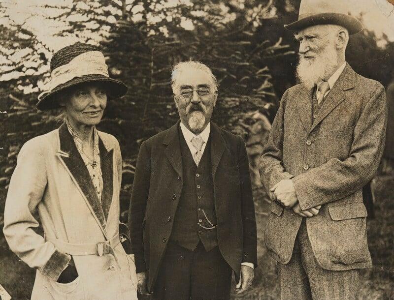 'Hill Farm' (Beatrice Webb; Sidney James Webb, Baron Passfield; George Bernard Shaw), by Unknown photographer, 28 June 1930 - NPG P1292(23) - © National Portrait Gallery, London