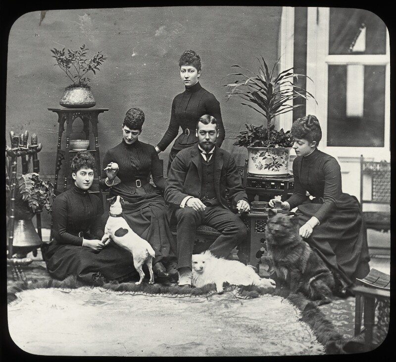 Royal family group, by Frederick William Ralph, 1889 - NPG x131621 - © National Portrait Gallery, London