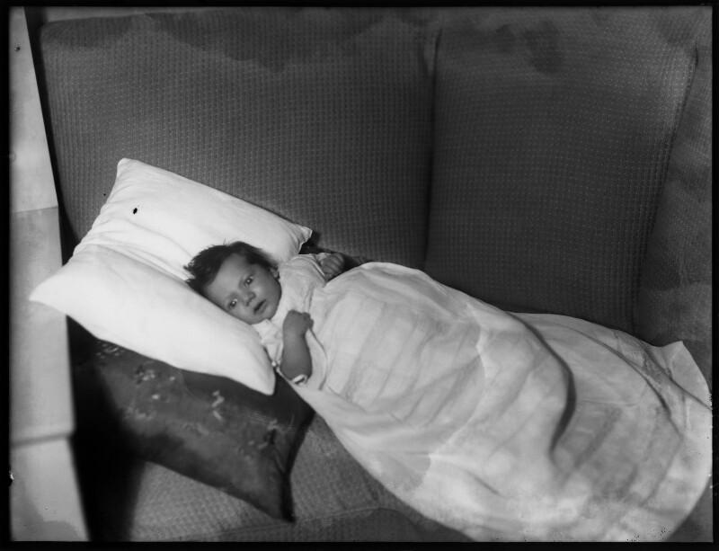 Fiona Jane Obert de Thieusies (née O'Brien), by Bassano Ltd, 27 August 1941 - NPG x154237 - © National Portrait Gallery, London
