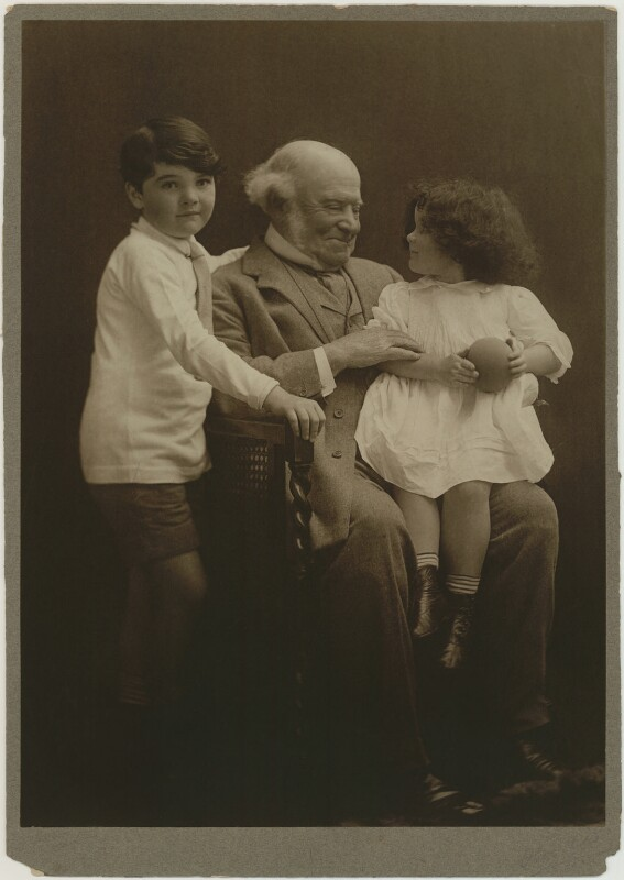 Hardinge Stanley Giffard, 1st Earl of Halsbury and his grandchildren, by (Mary) Olive Edis (Mrs Galsworthy), 1914 - NPG x131721 - © National Portrait Gallery, London