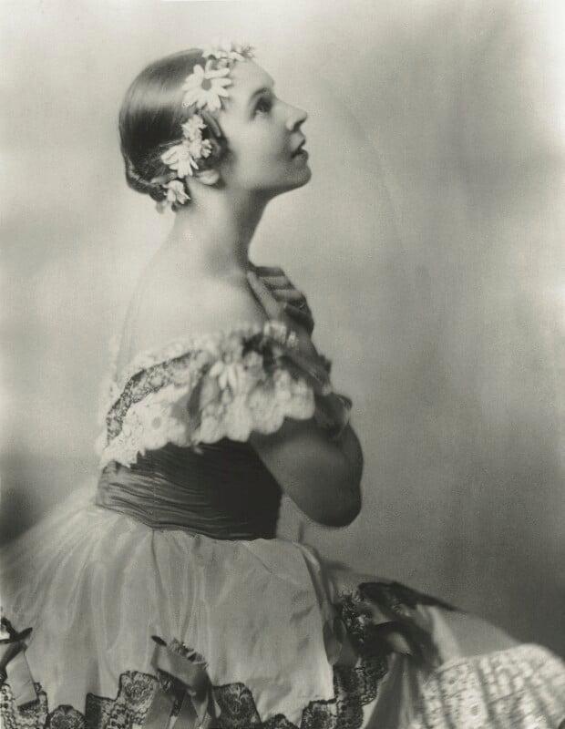 Lydia Lopokova, by Madame Yevonde, 1920s - NPG x131743 - © Yevonde Portrait Archive
