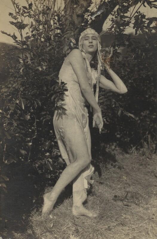 Margaret Morris, by Fred Daniels, early 1920s - NPG x131936 - © Estate of Fred Daniels / National Portrait Gallery, London