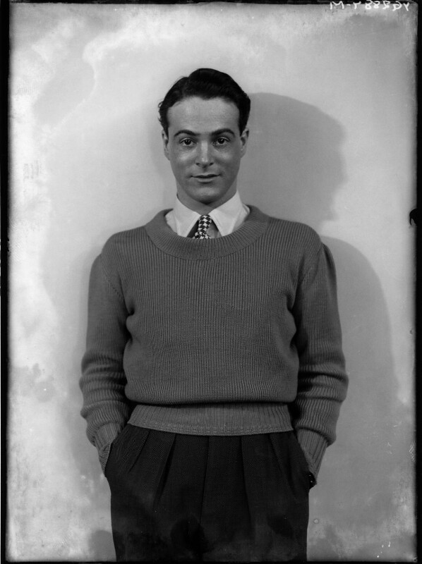 Oliver Messel, by Yvonne Gregory, 25 January 1933 - NPG x132028 - © estate of Yvonne Gregory / Camera Press
