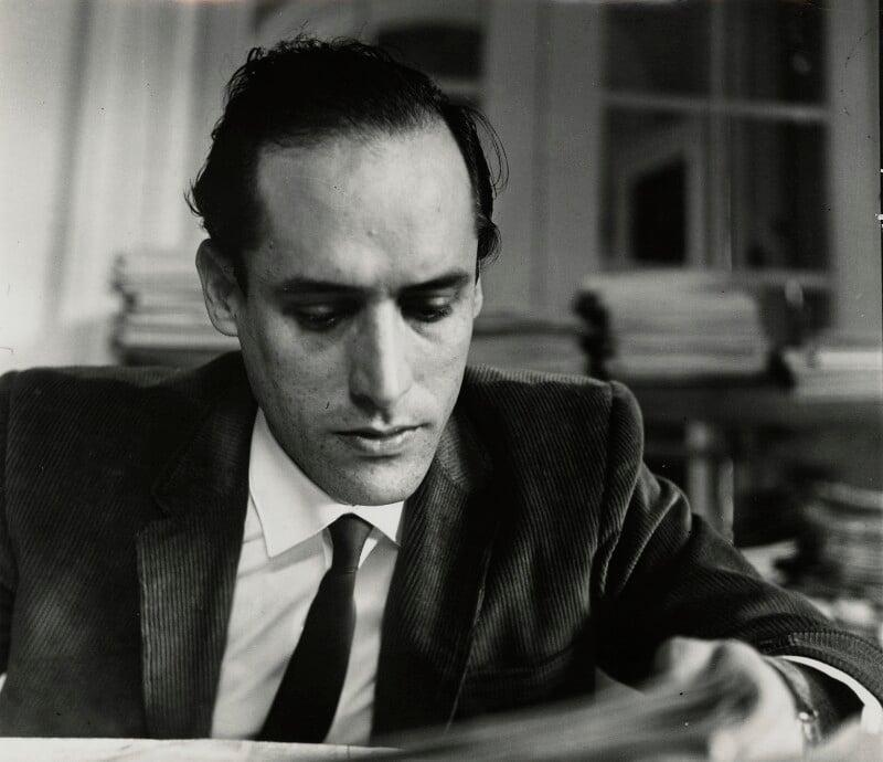 Roberto Fernández Retamar, by Ida Kar, 1964 - NPG x132314 - © National Portrait Gallery, London