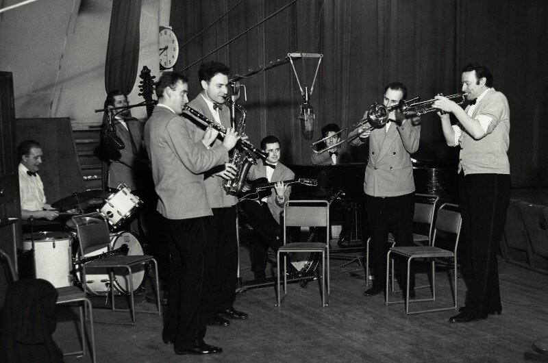 'The Humphrey Lyttelton Band', by Harry Hammond, 1954 - NPG x132381 - © Harry Hammond / Victoria & Albert Museum