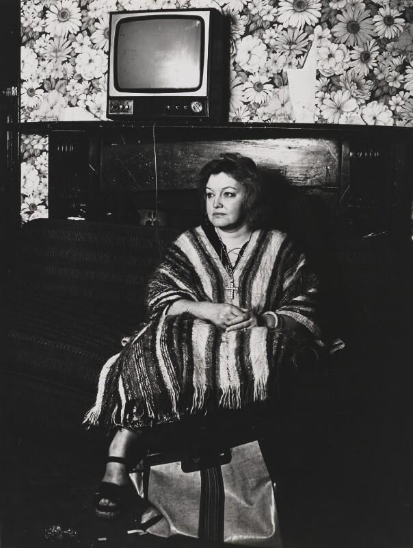 Erin Pizzey, by Mayotte Magnus, February 1977 - NPG x18632 - © Mayotte Lewinska / National Portrait Gallery, London
