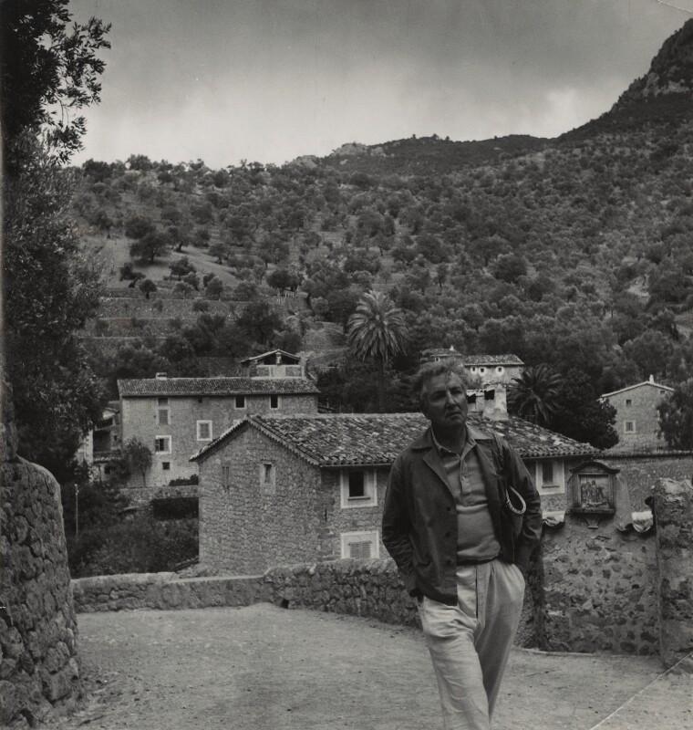 Robert Graves, by Daniel Farson, 1953 - NPG x25200 - © estate of Daniel Farson / National Portrait Gallery, London