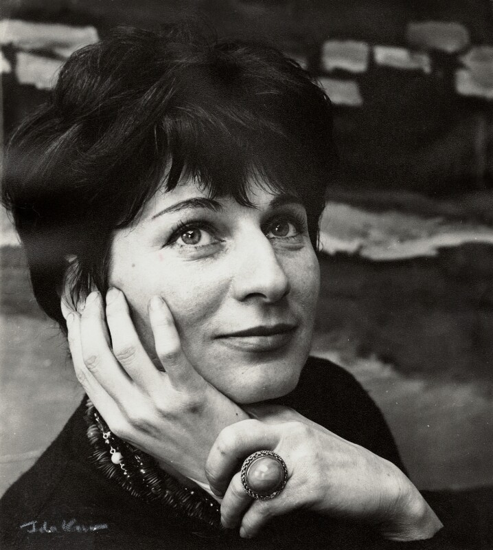Myra Kupman, by Ida Kar, circa 1964 - NPG x132553 - © National Portrait Gallery, London