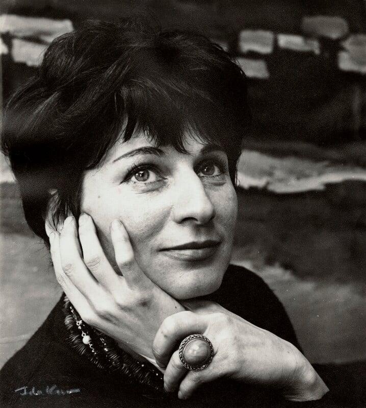 Myra Kupman, by Ida Kar, circa 1964 - NPG x132553 - © National Portrait Gallery, London