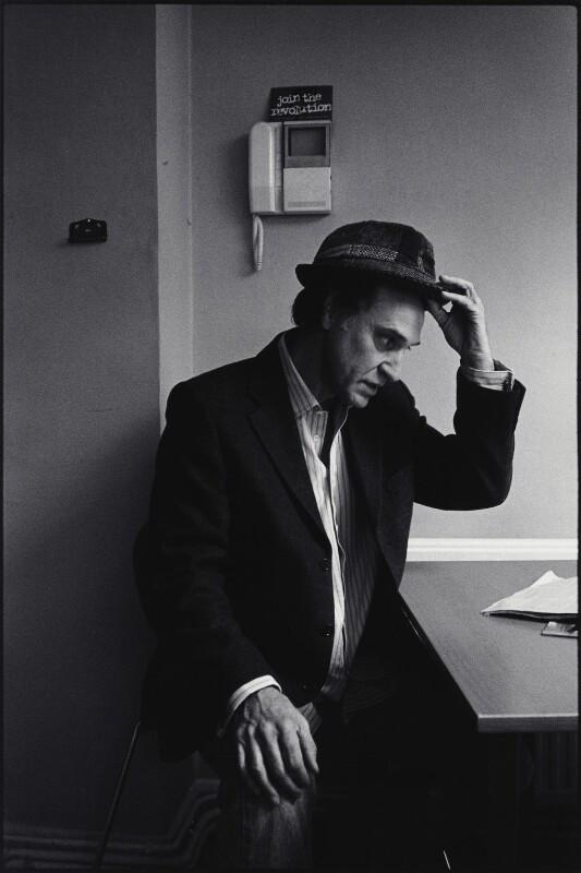 Ray Davies, by Pete Millson, May 2002 - NPG x132544 - © Pete Millson