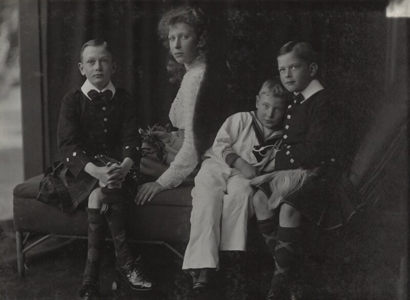 Prince Henry, Duke of Gloucester; Princess Mary, Countess of Harewood; Prince John; Prince George, Duke of Kent, by Lafayette, 1909 - NPG Ax29313 - © National Portrait Gallery, London