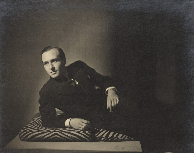Ronald Kinloch Anderson, by Howard Coster, 1933 - NPG Ax3417 - © National Portrait Gallery, London