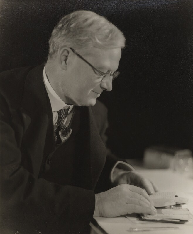 Rupert Edward Cecil Lee Guinness, 2nd Earl of Iveagh, by Howard Coster, 1931 - NPG Ax3435 - © National Portrait Gallery, London