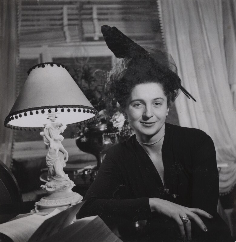 Lida Ascher, by Francis Goodman, 19 November 1946 - NPG Ax39631 - © National Portrait Gallery, London