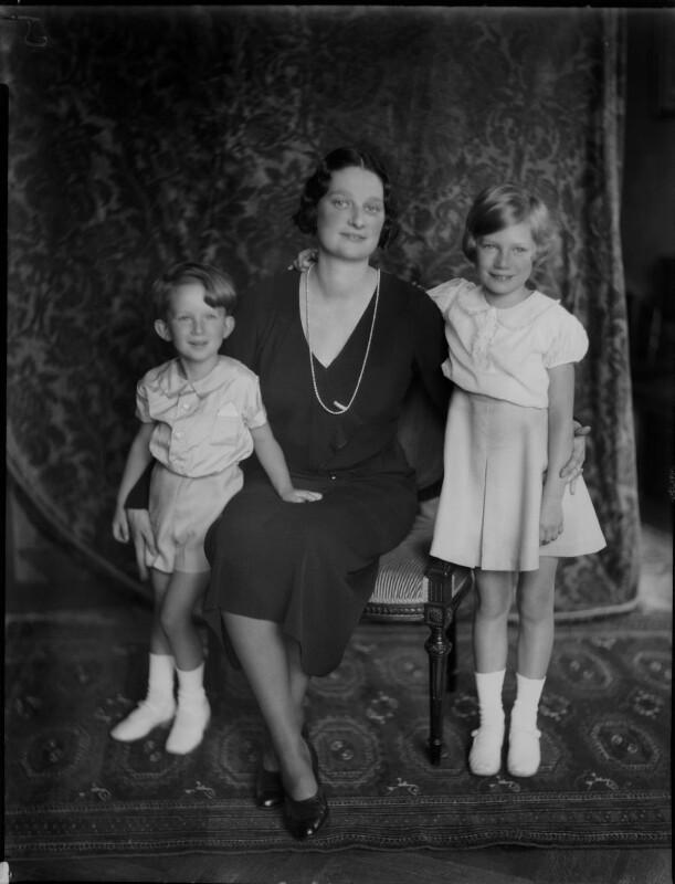 Astrid, Queen of the Belgians with her children, by Vandyk, 28 June 1934 - NPG x130233 - © National Portrait Gallery, London