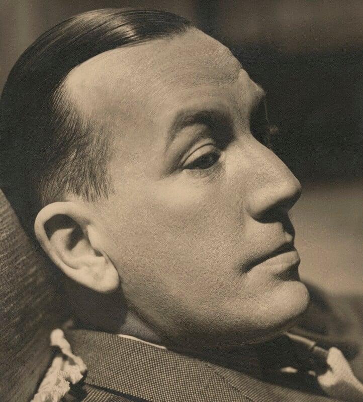 Noël Coward, by Howard Coster, 1939 - NPG x1800 - © National Portrait Gallery, London