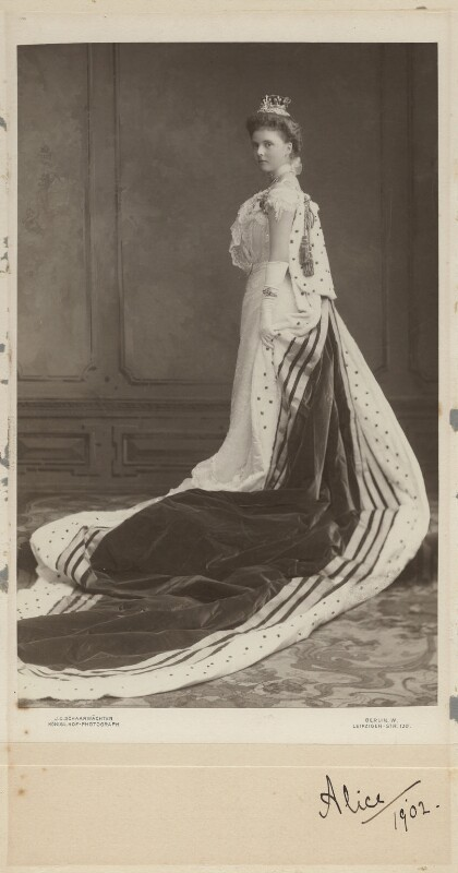Princess Alice, Countess of Athlone, by Julius Cornelius Schaarwächter, circa 1902 - NPG x18197 - © National Portrait Gallery, London